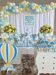Birthday photography boys baby shower ideas for 2019 Baby Shower Deco, Baby Shower Balloons, Baby Boy Shower, Baby Party, Baby Shower Parties, Baby Shower Themes, Baby Shower Yellow, Gender Neutral Baby Shower, Baby Boy 1st Birthday