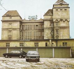 Kliknite pre zobrazenie veľkého obrázka Bratislava, Old Photos, Louvre, Retro, Building, Travel, Type 3, Theater, Facebook