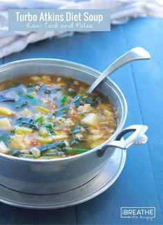 Turbo Atkins Diet Soup - Low Carb & Paleo This delicious low carb chicken soup recipe is loaded with healthy veggies! It's Paleo, Whole Keto and Atkins diet friendly at only 136 calories and net carbs per bowl!This delicious low carb chicken soup re Low Carb Soup Recipes, Diet Recipes, Healthy Recipes, Low Carb Soups, Low Carb Chicken Soup, Chicken Soup Recipes, Whole 30, Makassar, No Carb Diets