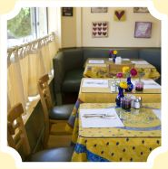 Mama's  - The Best homemade breads & omelets!
