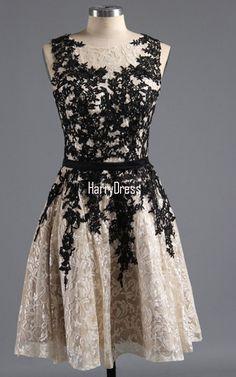 Black Sleeveless Mini Scoop Neckline A Line Appliques Lace Short Homecoming Dress