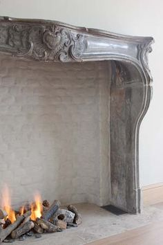 an old fireplace for a stove range top? French Style Homes, Stone Cottage, Home Fireplace, Grey Decor, Country Interior, Fireplace Design, Masonry Work, Fireplace, Belgian Style