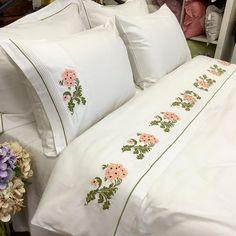 """OYA HOME Ev Tekstili İmalatı on Instagram: """"Müşterimizin kaneviçeleriyle diktiğimiz nevresim takımı hazır, iyi günlerde kullanılmasını diliyoruz💐💐💐 The duvetcover set made by using…"""" Bed Pillows, Pillow Cases, Instagram, Pillows"""