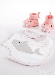 "Baby Aspen's Shark Chomp and Stomp now comes in pink to keep your little jaw-dropping baby girl clean and snuggly at mealtime. | ""Chomp & Stomp"" Shark Bib and Booties (Pink) 