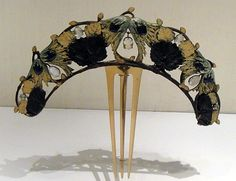 Black-eyed Susan tiara with moonstones on a horn comb. Rene Lalique at the Calouste Gulbenkian Museum, Lisbon, Portugal, c, 1902