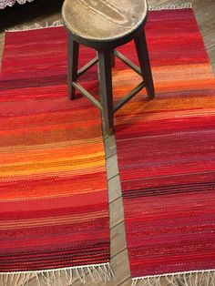 Card Weaving, Rag Rugs, Weaving Patterns, Recycled Fabric, Woven Rug, Scandinavian Style, Color Inspiration, Pattern Design, Diy And Crafts