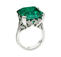 A Rare Event Ring / David Marshall London