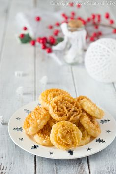 Cartellate Italian Desserts, Onion Rings, Christmas Cookies, Biscuits, Pavlova, Deserts, Banana, Cake, Ethnic Recipes