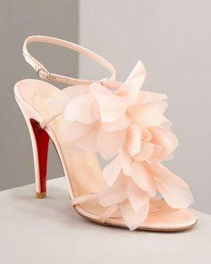 christian louboutin ❤ Belle Chaussure, Soulier, Mode, Recherche, Bracelet De  Cheville, 1563460c9280