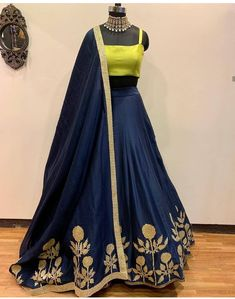 Pearl_designersòĺ Book ur dress now Completely stitched Customised in all colours For booking ur dress plz dm or whatsapp… Indian Lehenga, Red Lehenga, Anarkali, Lehenga Choli Designs, Party Wear Lehenga, Party Wear Dresses, Wedding Dresses, Indian Attire, Indian Wear