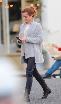 DRESS LIKE EMMA: inspired by a recent candid. See what Emma wore here.    Links  prices after the cut. [[MORE]]    HM cardigan€18...