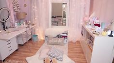 Glam room space