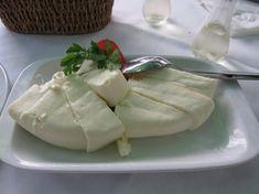 GRČKI FETA SIR – napravite ga sami vrlo lako po ovom receptu! Feta, Camembert Cheese, Dairy, Pudding, Desserts, Tailgate Desserts, Deserts, Custard Pudding, Puddings