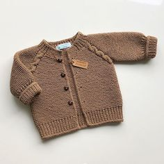Best 12 – Page 842313936537950581 – Skil . Best 12 – Page 842313936537950581 – Skil - Diy Crafts - Marecipe Always wanted to lea. Baby Boy Knitting Patterns, Baby Cardigan Knitting Pattern, Knitted Baby Cardigan, Knit Baby Sweaters, Baby Pullover, Knitted Baby Clothes, Knitting For Kids, Baby Patterns, Crochet Baby Jacket