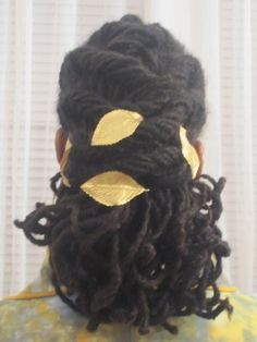 #locs with gold leaf hair #accessories  I love these leaves