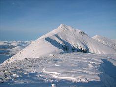 The summit of Stob Binnein on ascent from Inverlochlarig.