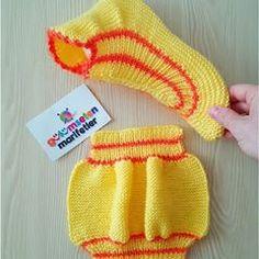Crochet Baby Socks Knitted Slippers 57 Ideas – The Best Ideas Knit Slippers Free Pattern, Knitted Slippers, Knitted Hats, Knitting Stitches, Knitting Socks, Baby Knitting, Crochet Baby Socks, Knit Crochet, Knitting For Beginners