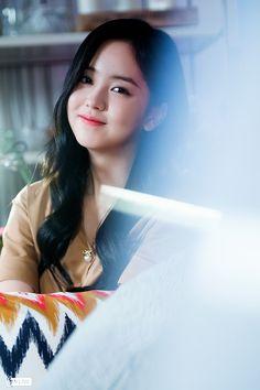 Sohyun Naver x Dispatch Korean Actresses, Korean Actors, Actors & Actresses, Korean Girl, Asian Girl, Kim So Hyun Fashion, Korean Princess, Hyun Kim, Bollywood Bridal