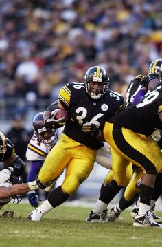 """Jerome """"The Bus"""" Bettis Steelers Pics, Steelers Gear, Steelers Football, Football Helmets, Baltimore Colts, Pittsburgh Steelers, Jerome Bettis, Football Conference, Steeler Nation"""