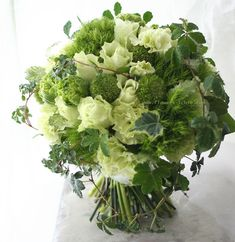 Small Flower Arrangements, Small Flowers, Fresh Flowers, Bouquets, Jesus Pictures, Yellow Wedding, Wedding Images, Flower Designs, Green