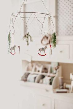 (via wire christmas mobile | christmas time | Pinterest | Cellulari, Natale e Blog)