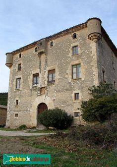 Pontons - Mas Pontons Segle XVI-XVII Masia Fortificada,  Penedès  Ctalonia (Foto: Albert Esteves, 2012)