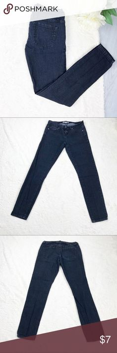 Forever 21 Denim Jeans Forever 21 Denim Jeans  Size 25 Excellent Used Condition!  Measurements: - Across the top: 14 in. - Down the side: 35 in. - Inseam: 28 in.  Materials: - 70% cotton, 22% polyester, 7% rayon, 1% spandex   MAKE AN OFFER!!! Forever 21 Jeans Skinny