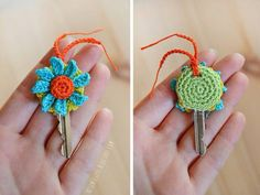 Crochet key cover with flower Crochet Key Cover, Love Crochet, Crochet Gifts, Crochet Yarn, Crochet Flowers, Crochet Toys, Crochet Stitches, Crochet Patterns, Yarn Projects