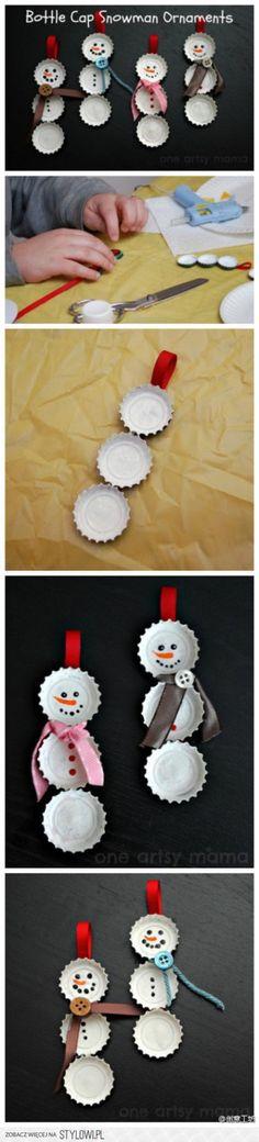 sneeuwmannetjes van bierdopjes