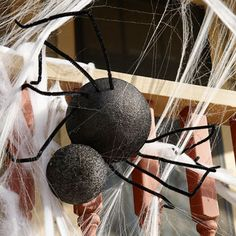 Styrofoam and pipe cleaner Halloween Spiders from http://www.bhg.com/
