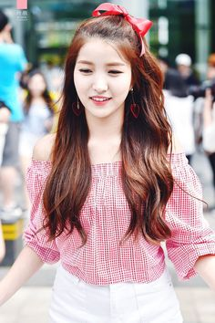 dedicated to female kpop idols. Kpop Girl Groups, Kpop Girls, Kpop Hair, Gfriend Sowon, G Friend, Girl Bands, Queen, Stylish Girl, Pop Group