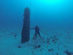 Pescadores encuentran gigantesca bomba sin explotar al norte de Vieques.