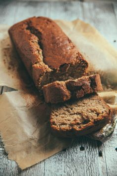 THE SIMPLEST BANANA BREAD // The Baking Bird