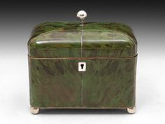 Green Tortoiseshell Tea Caddy to store your favourite Green Tea.