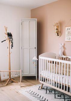 Modern kids room girls nursery design ideas for 2019 Nursery Room Decor, Nursery Design, Girl Nursery, Girl Room, Boho Nursery, Bedroom Decor, Baby Boy Rooms, Baby Bedroom, Modern Kids Bedroom