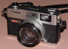 Vintage Canon G-III QL17 35mm Rangefinder Camera, Third Generation Of The Canonet, Made In Taiwan, Sold From 1972 - 1982.