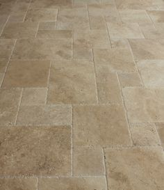 BuildDirect – Travertine Tile – Antique Pattern – Meandros Walnut Standard – Close View Source by avvmonicatraver Travertine Bathroom, Travertine Floors, Bathroom Flooring, Kitchen Flooring, Wainscoting Bathroom, Bathroom Remodeling, Stone Kitchen Floor, Natural Stone Flooring, Timber Flooring