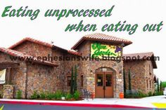 How to Eat Unprocessed When Eating Out
