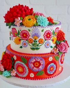 What happens when a cake decorator bring her sense of cultural heritage to her niece's first birthday party? Well, you find a sweet spot. At least cake decorator Leslie Vigil did. Pretty Cakes, Cute Cakes, Beautiful Cakes, Amazing Cakes, Mexican Birthday Parties, Mexican Party, Mexican Cakes, Mexican Themed Cakes, Mexican Fiesta Cake
