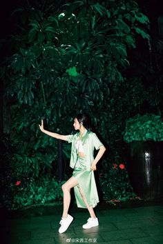 Song Qian, Victoria Song, Shit Happens, Studio, Twitter, Asian Fashion, Studios