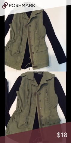 Olive vest Utility vest in olive green. Front pockets, inner drawstring at waist. Zipper closure with buttons. All cotton, no flaws! Willow & Clay Jackets & Coats Vests