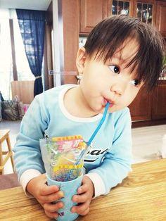 Korean Babies, Asian Babies, Kids Boys, Baby Kids, Baby Boy, Kaisoo, Cute Kids, Cute Babies, Triplet Babies