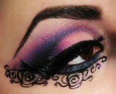 Make up ideas for halloween Kiss Makeup, Love Makeup, Makeup Art, Makeup Looks, Beauty Makeup, Hair Makeup, Purple Makeup, Awesome Makeup, Unique Makeup
