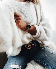 Jewelry | Accessories | Watches | Gucci belt | Rings | Gold | White sweater | Jeans | More on fashionchick.nl