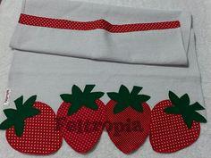 Panos de prato confeccionados em saco 100% algodão, barras em tricoline, aplicações em patchwork, sem barrado. Preço por unidade.
