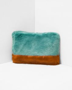 Image 2 of FAUX FUR TWO-TONE CLUTCH BAG from Zara