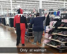 Funny Pictures Of People At Walmart! 2011 Hilarious Pants 33 Hilarious Pics Of Walmartians That Will Make You Lol 29 Funrare 33 Hilarious Pics Of Walmartians That Will Make You Lol Funrare Walmart Funny, Only At Walmart, People Of Walmart, Walmart Pictures, Funny People Pictures, Funny Photos, Wierd People, Funny Mugshots, Fat Humor