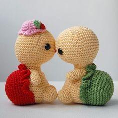 Miss Turtle amigurumi crochet pattern by Pepika