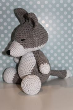 Baby Wolf Amigurumi : Mama, Gris and Ravelry on Pinterest