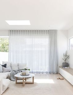 Photography // the main living from Kirkwood project - soft sheers. Home Living Room, Living Area, Living Room Designs, Living Room Decor, Living Room Blinds, Living Spaces, Home Interior, Interior Design, Interior Colors